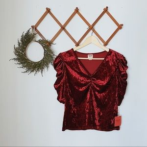 mossimo NWT velvet gathered 3/4 top